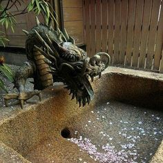 Dragon outdoor sink. I want to have this faucet for my bathtub.