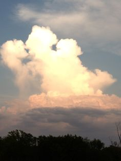 Kissing clouds