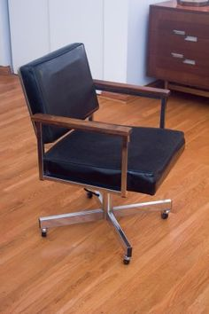 Mid Century Modern Office Swivel Chair