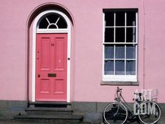 Bicycle Leaning Against Pink House, Oxford, Oxfordshire, England Photographic…