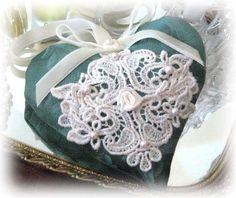 Sachet Heart, Cottage Style, GREEN damask, Venise Lace Lavender Buds, Primitive Handmade CharlotteStyle Decorative Folk Art
