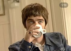 Noel Gallagher Young, Liam And Noel, Britpop, Oasis, Shopping