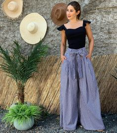 How To Wear Culottes, Sweet Dress, Beautiful Outfits, Beautiful Clothes, Chic Outfits, I Dress, Vintage Prints, Runway Fashion, Casual