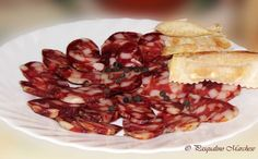 Embutidos caseros Homemade Sausage Recipes, Smoking Meat, Preserves, Barbecue, The Cure, Bacon, Food And Drink, Cooking, Breakfast