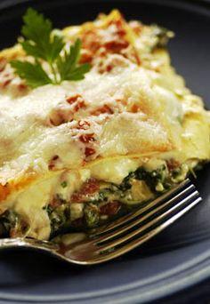 Creamy Chicken and Spinach Lasagna (easy recipe using no-boil noodles)