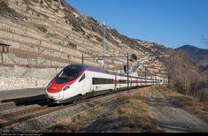 503 0.. SBB RABe 503 at Sion, Switzerland by Georg Trüb Rail Train, High Speed Rail, Swiss Railways, Speed Training, Rolling Stock, Electric Locomotive, Train Station, Cl, Taiwan
