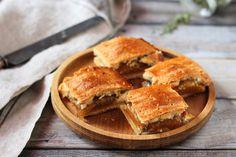 Őszibarackos-kakukkfüves pite - A markáns kakukkfű jól feldobja még a desszerteket is Apple Pie, Food, Essen, Meals, Yemek, Apple Pie Cake, Eten, Apple Pies