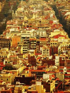 Barcelona - View from Parc Guell // LOOK I CAN SEE MY APARTMENT! THERE I AM WAVING AT YOU GUYS! LOL
