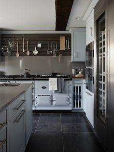 Richmond Townhouse Kitchen | Kitchens by LINLEY | Kitchen Larder ...