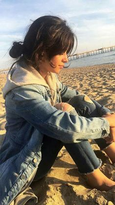Camila Cabello ♛♔♕ ♡ CAMZ ♡ (camila open rp) *i quietly sing the first verse to sweater weather then you sneak up behind me* Camilla, Fangirl, Cabello Hair, Rides Front, Camila And Lauren, Fifth Harmony, Woman Crush, Havana, Celebrity Crush
