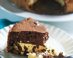 Chocolate mousse cookie cheesecake | Jellibeanjournals.com