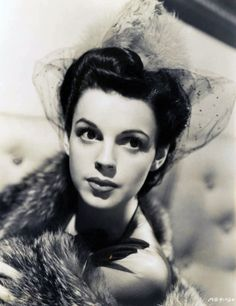 Judy Garland is very lovely in this photo.