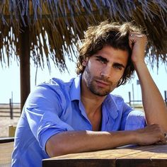 Photo Pose Style, Photo Poses, Beautiful Eyes, Gorgeous Men, Attractive Eyes, Italian Men, Muscle Hunks, Photography Poses For Men, Curly Hair Men