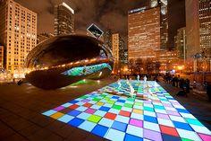 Anish Kapoor's Cloud Gate in Millennium Park / Chicago