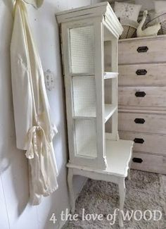 4 the love of wood: HOW TO REUSE OLD WINDOWS - lovely french shelf
