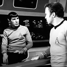 Star Trek Cast, Star Trek Captains, Star Trek Images, Star Trek Characters, Leonard Nimoy, William Shatner, Star Trek Ships, Star Trek Universe, Uss Enterprise