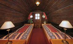 Sleeping in a 14.500 liter #WineCask -Hotel de Vrouwe van Stavoren #Switzerland