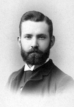 Handsome Bearded Man in Vintage Photo. Vintage Pictures, Vintage Images, Vintage Men, Cthulhu, Handsome Bearded Men, Vintage Gentleman, Victorian Men, Great Beards, Men Photography