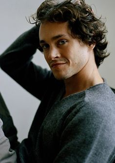Hugh Dancy LOVE LOVE LOVE HIm!  My favorite actor and in my opinion one of the handsomest (next to Matthew Mcfayden of course :))