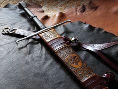 Custom DBK Sword Scabbard for the Albion Brescia Spadona - Closeup of the upper half