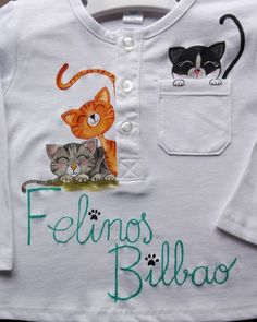 Pintura en tela Fabric Paint Shirt, Paint Shirts, T Shirt Painting, Fabric Painting, Embroidery Applique, Embroidery Stitches, Newborn Girl Dresses, Fabric Paint Designs, Painted Clothes