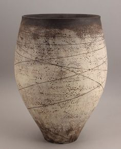 Hans Coper (German/British, An early Vessel, circa 1953 - Contemporary Ceramics - 20 - 24 November 2010 - Auction Atrium Pottery Bowls, Ceramic Pottery, Pottery Art, Modern Ceramics, Contemporary Ceramics, Ceramic Clay, Ceramic Bowls, Earthenware, Stoneware