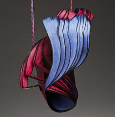 Lydia Hirte Jewellery Sculptures Paper Art fine drawing card, drawing and calligraphic ink; photo: Jürgen Kossatz