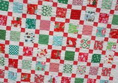 Christmas Quilt Patterns | Ready for the full reveal of the Retro Christmas Quilt?