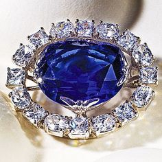 Hey now!  Awesome.  http://www.smithsonianstore.com/museum-stores/natural-history/hope-diamond-pinpendant-49143.html