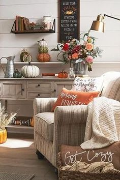 Looking to decorate for fall on a budget? We love finding unique fall budget-friendly items at the thrift store. Whether You are looking for fall decor for the porch or indoor fall decor, there are fall decorations for the entire home. Keep reading as we share 9 simple and savvy fall decorating ideas. Hadley Court Interior Design Blog by Central Texas Interior Designer, Leslie Hendrix Wood decorSimple and Savvy Fall Decorating Ideas! | Hadley Court - Interior Design Blog