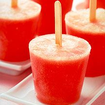 Made with fresh fruit, lemon juice and a touch of honey, this #recipe for frozen Watermelon Pops is a real crowd pleasure. #WWLoves