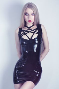 latex fesseln sex im swingerclub