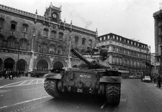 History Of Portugal, 25 Avril, Patton Tank, Lisbon Portugal, Best Cities, Historical Photos, Geography, Old Photos, Military Vehicles