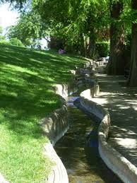 japanese water rills - Google Search Japanese Water Feature, Japanese Water Gardens, Water Features In The Garden, Golf Courses, Garden Water, Pools, Gardening, Google Search, Lawn And Garden