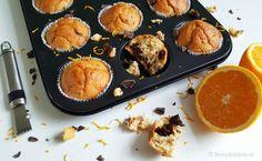 Muffins met yoghurt, sinaasappel en chocolade