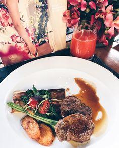 """Almoço maravilhoso no """"Nomade"""" restaurante do @nommahotel para apresentação dos lançamentos  da marca que tanto amo e indico para vocês @korresbr!  Produtos naturais acessíveis"""