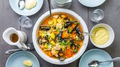 no – nyheter, tv og radio fra Norge og hele verden Fish Stew, Laksa, Fish Dinner, Always Hungry, Yummy Food, Tasty, Aioli, Bon Appetit, Food Styling