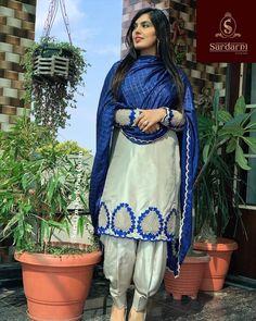 Punjabi Suits Designer Boutique, Indian Designer Outfits, Boutique Suits, Punjabi Suit Neck Designs, Patiala Suit Designs, Embroidery Suits Punjabi, Embroidery Suits Design, Embroidery Designs, Kurti Sleeves Design