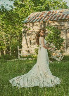 Dream Wedding | Southern Wedding | Wedding Kiss | Romantic Wedding | Rustic Wedding | Sunset Wedding | Trees | Lace Wedding Dress | Long Hair | Bride | Groom | Outside | Farm Wedding | GetzCreative | Hillary and Travis Fowler
