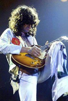 70s Music, Rock Music, Heavy Rock, Heavy Metal, Jimmy Page, Concert Photography, Living Legends, Robert Plant, Rock Legends