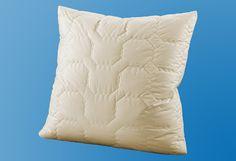 my home-Naturhaarkopfkissen (identisch mit f.a.n. Programm »natura«) in 2 Qualitäten für einen erholsamen Schlaf. Je höher der Kaschmiranteil umso besser ist Qualität und der Schlafkomfort. Das Kaschmirhaar zählt zu den wertvollsten Naturhaaren überhaupt. Es ist als Füllhaar für Schläfer mit wenig Eigenwärme, die ein trockenes Schlafklima bevorzugen (z. B. Rheumatiker) besonders zu empfehlen. D...