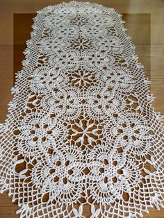Crochet lace tablecloth square with flower and diamonds motif. Many beautiful filet crochet valances, curtains, doilies etc. Crochet pattern PDF by IraRott for making an adorable lion rug or reading mat no pattern link that I could find, but this is prett Crochet Table Runner Pattern, Free Crochet Doily Patterns, Crochet Doily Diagram, Crochet Squares, Crochet Motif, Crochet Designs, Filet Crochet, Diy Crafts Crochet, Crochet Art