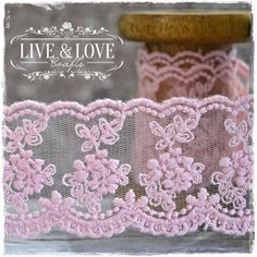 ***NEW*** Stunning embroidery lace in shabby pink. Width:40mm