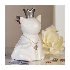 Schöne und moderne Darstellung einer Katze aus weißer Keramik mit silberner Krone und einer silberfarbenen Kette mit einem Kronen-Anänger als Spardose!
