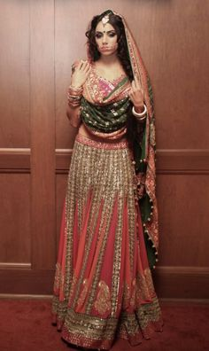 These simple bridal lehenga hacks for short plum brides-to-be will transform your look. Indian Bridal Wear, Pakistani Bridal, Bridal Lehenga, Indian Wear, Floral Lehenga, Pink Lehenga, Lehenga Blouse, Asian Bridal, Indian Style