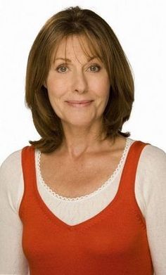 Elisabeth Sladen- 'Sarah-Jane Smith' (Doctors and She saw regeneration of Doctor No 3 to Doctor No Sarah Jane Smith, English Actresses, Actors & Actresses, Serie Doctor, Twelfth Doctor, 4th Doctor, Doctor Who Companions, The Rouge, Tv Girls