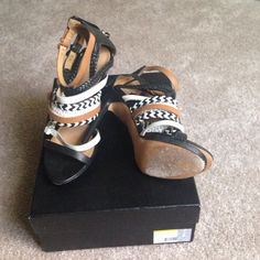 Shoes Excellent condition Lamb shoes (Jessie) comes with dust bag and extra taps L.A.M.B. Shoes