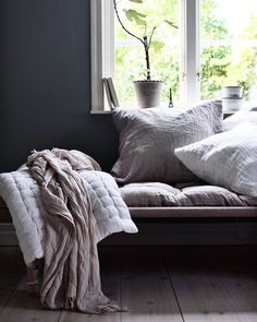 my scandinavian home: Snapshots from a beautiful Swedish family home Living Room Inspiration, Interior Inspiration, Design Inspiration, Hygge, Living Room Designs, Living Room Decor, Thrifty Decor, Home Safes, Shabby Chic Cottage