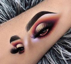 10 + Make-up and eye shadow on the facial features of the models – Sayfa 6 – Fashion & Beauty Eye Makeup On Hand, Eye Makeup Art, Skin Makeup, Eyeshadow Makeup, Daily Makeup, Makeup Goals, Makeup Inspo, Makeup Inspiration, Makeup Pics