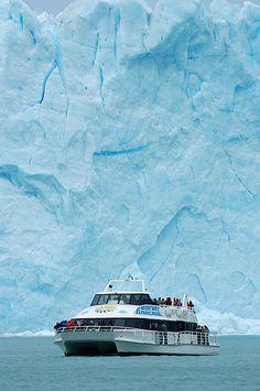 Embarcación - Perito Moreno - Patagonia - Argentina